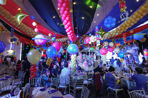 Movie Theme Centerpieces For Sale besides Tangled Lantern Photo Op Extended Indefinitely likewise Hippo Chow Down additionally New Clips From Tim Burtons Alice In additionally Camille Prats39 Son Nathan Celebrates 7th Birthday With A Party. on movie themed party