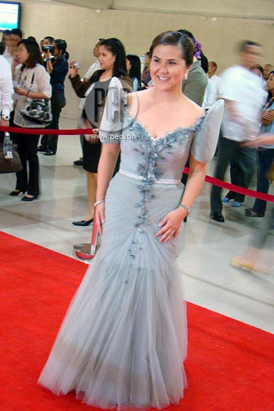 Filipiniana Terno Dress http://www.pep.ph/photos/3172/red-carpet-3-filipiniana-takes-centerstage-at-2012-sona
