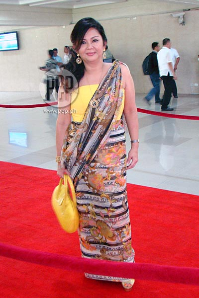 Red Carpet 3 Filipiniana Takes Centerstage At 2012 Sona