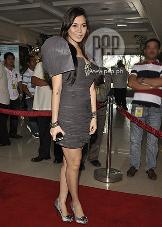 Filipiniana Terno Dress http://www.pep.ph/photos/1825/Red_carpet_rolls_out_for_fashionistas_at_P-Noy%26%2339%3Bs_first_SONA