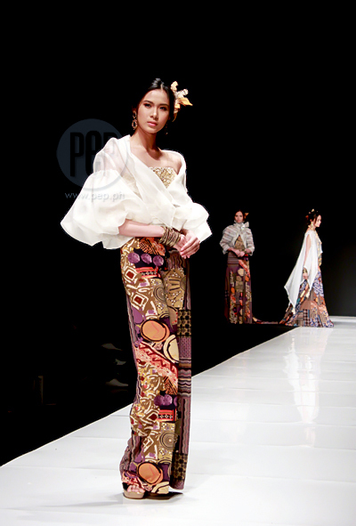 Modern Filipino Wedding Dresses : Modern barong and filipiniana at the philippine fashion