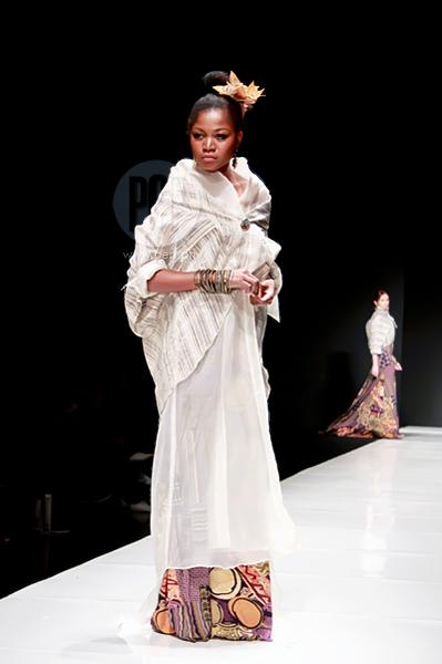 Modern Barong And Filipiniana At The Philippine Fashion