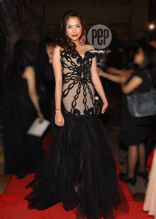 Who wore the black dress best at the 2011 Star Magic Ball ...  Who wore the bl...