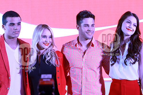 New Glee cast members meet their Filipino fans ...