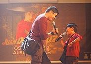 Coco Martin serenades fans of Juan Dela Cruz