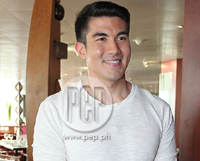Luis Manzano on Junior Minute-to-Win It competing with Ryzza Dizon's s