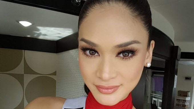 Pia sizzles at the 2015 Miss Universe Prelims