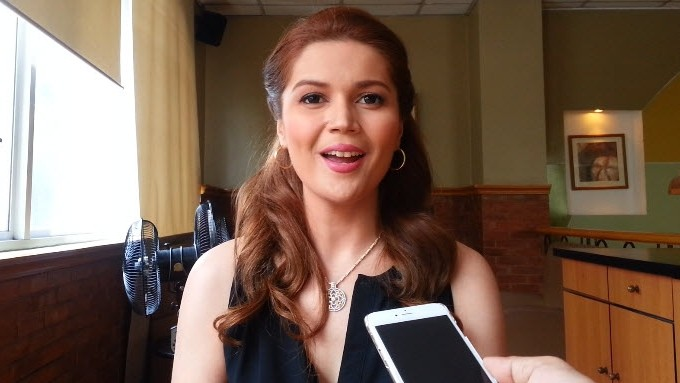 How different is Donna Cruz's voice now from then?