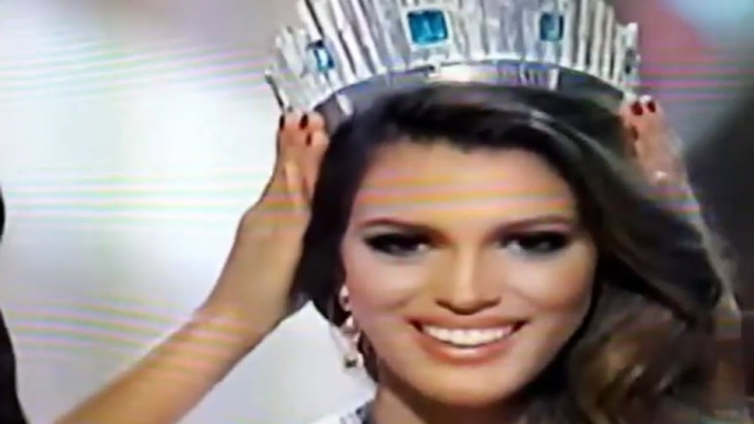 Miss France crowned as the new Miss Universe