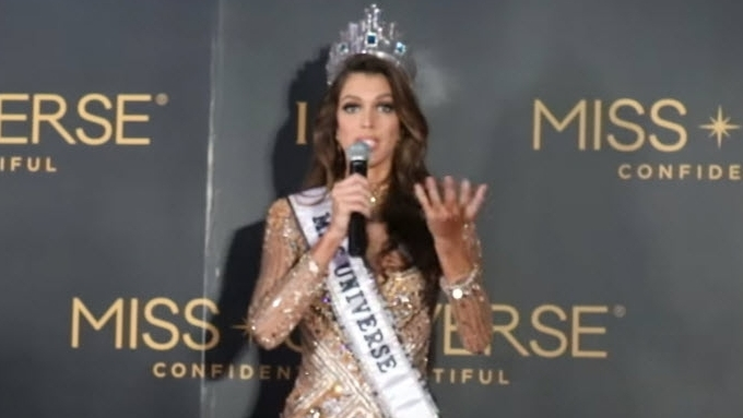 Iris Mittenaere's on how to become a Miss Universe