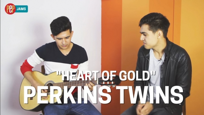 PEP JAMS. Perkins Twins sing 'Heart of Gold'