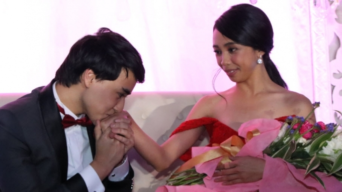 Will Edward pursue a romantic relationship with Maymay