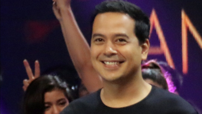 Is this year the last for John Lloyd Cruz in ABS-CBN?