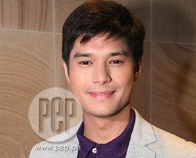 JC de Vera describes co-stars in