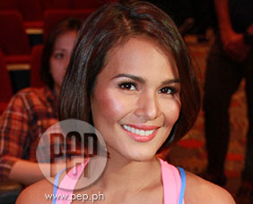 Iza Calzado says hosting