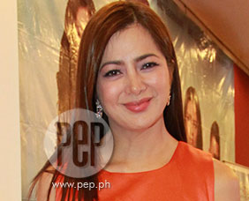 Alice Dixson would like to spend Christmas with family in the U.S.
