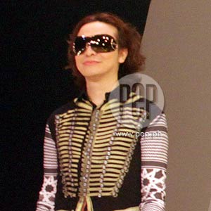 Filipino Fashion Designer Michael Cinco Describes His America S Next Top Model Stint As Far From Being Normal Pep Ph