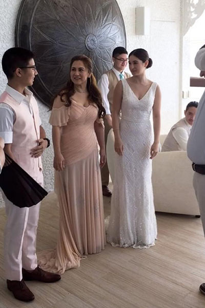 A Peek At Coleen Garcias Bridal Dress Pepph