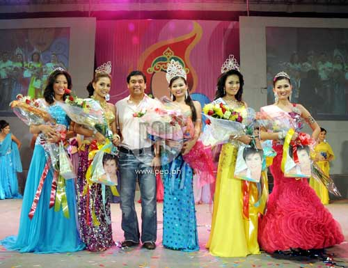 L Ray Villafuerte Escorts The Winners Of The Ms Kaogma 2009 Pageant From Left Ms Kaogma Tourism Farah Lopez 1st Runner Up Thea Liania Ms Kaogma 2009