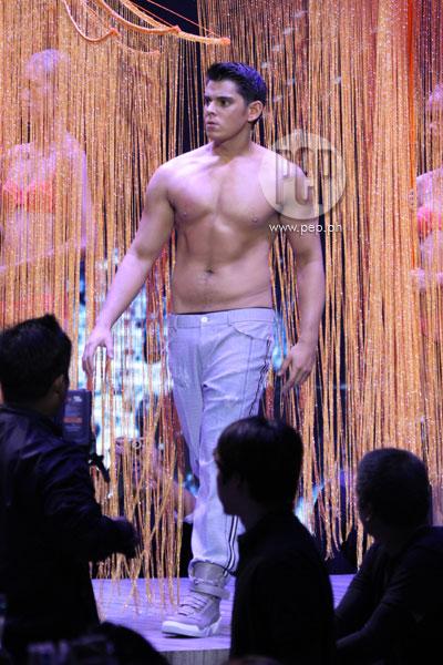 Wardrobe Week: A Splash of Contrasts in Nude   PEP.ph