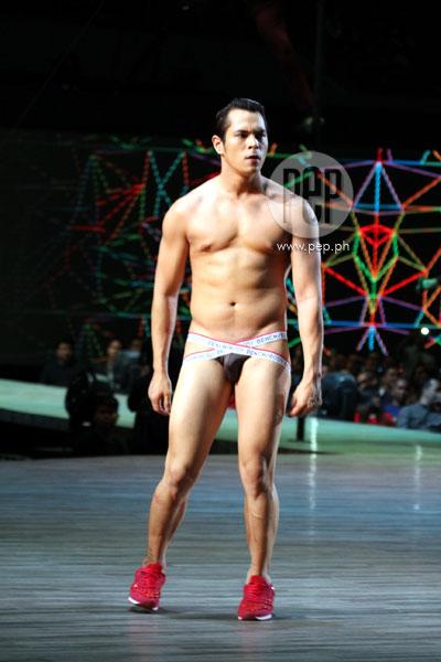 test-chubby-nude-fashion-show-underware-model-girls