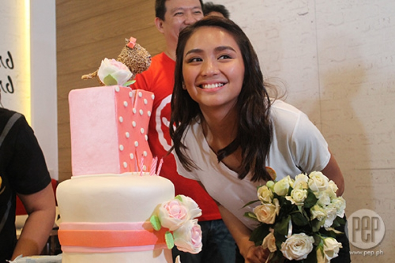 IN PHOTOS Kathryn Bernardo becomes emotional at special surprise