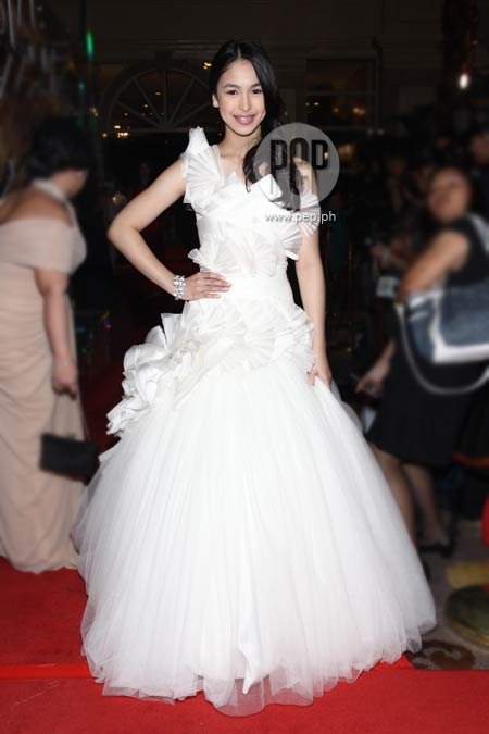 Who glowed in white at 2011 Star Magic Ball? | PEP.ph