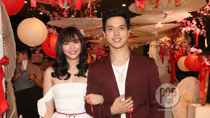 What differentiates ElNella from KathNiel, LizQuen, Jadine