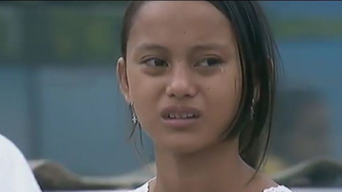 Badjao Girl cries as PBB housemates play with her underwear