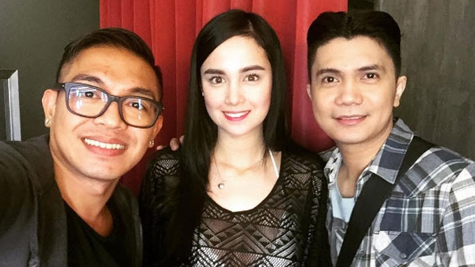 Mang Kepweng director defends Kim Domingo from intrigues