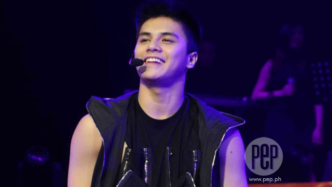 Hashtags member Ronnie Alonte gets two movies in MMFF 2016