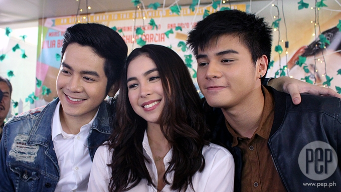 Will Julia have kissing scene with Ronnie and Joshua?