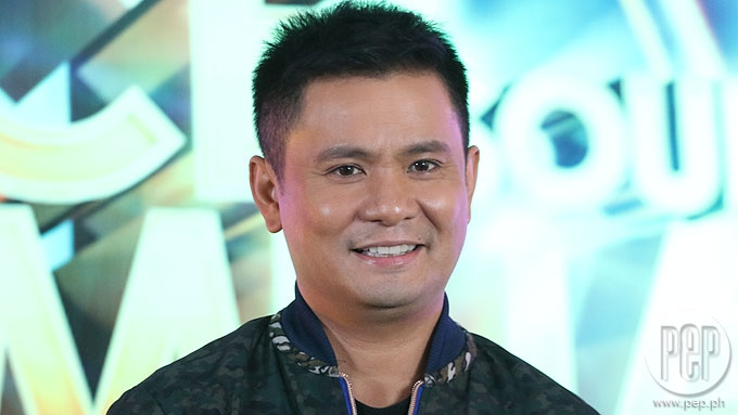 Will Ogie replace Jed Madela in Your Face Sounds Familiar?