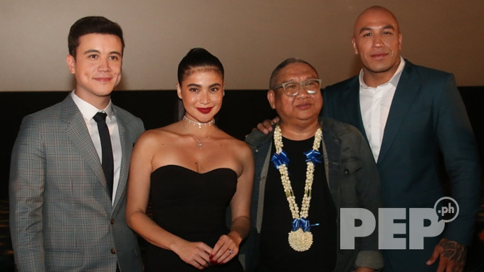 Anne Curtis gets kiss from Erwan at <em>BuyBust</em> premiere