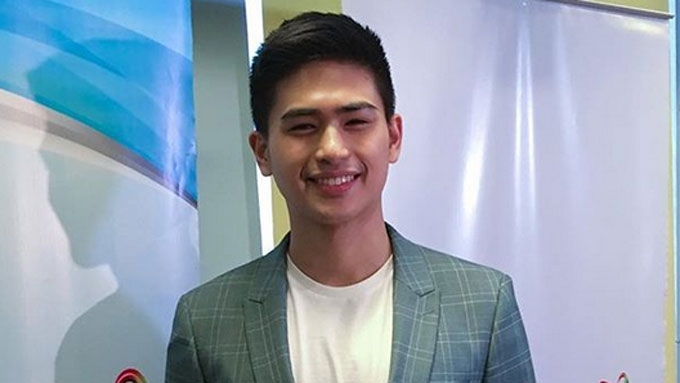 Former PBB housemate Manolo Pedroso inks contract with GMA-7