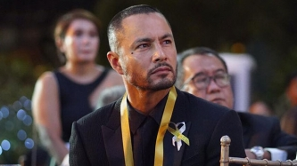 Derek Ramsay to sign up with a TV network before 2018 ends