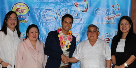 Rafael Rosell signs exclusive contract with GMA Network