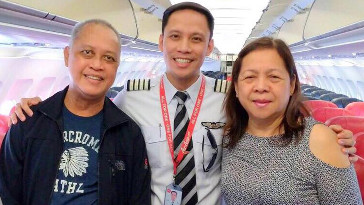 Pinoy couple moved to tears by pilot son's surprise