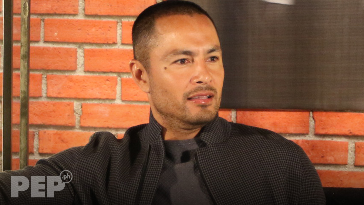 Derek Ramsay hits back at basher of his appreciation post for ABS-CBN