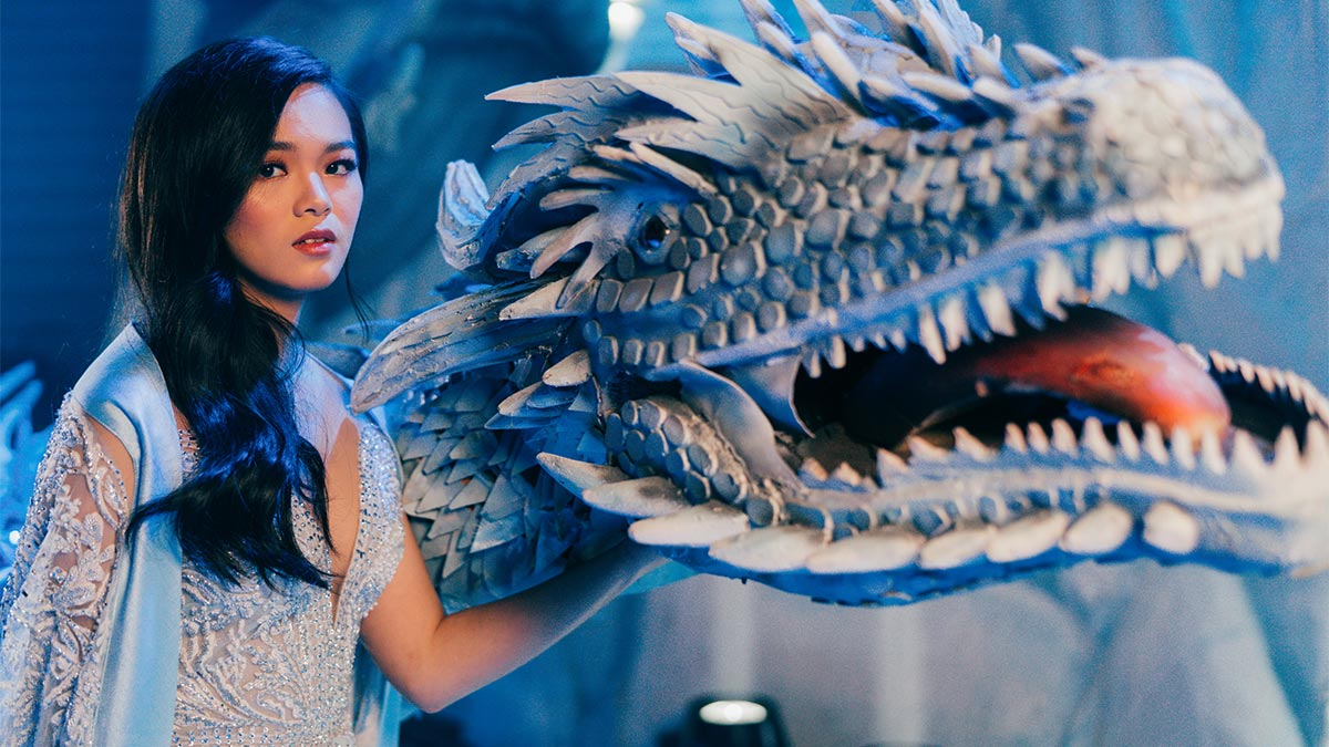 """This debutante rides a """"dragon"""" at her Game of Thrones-themed party"""