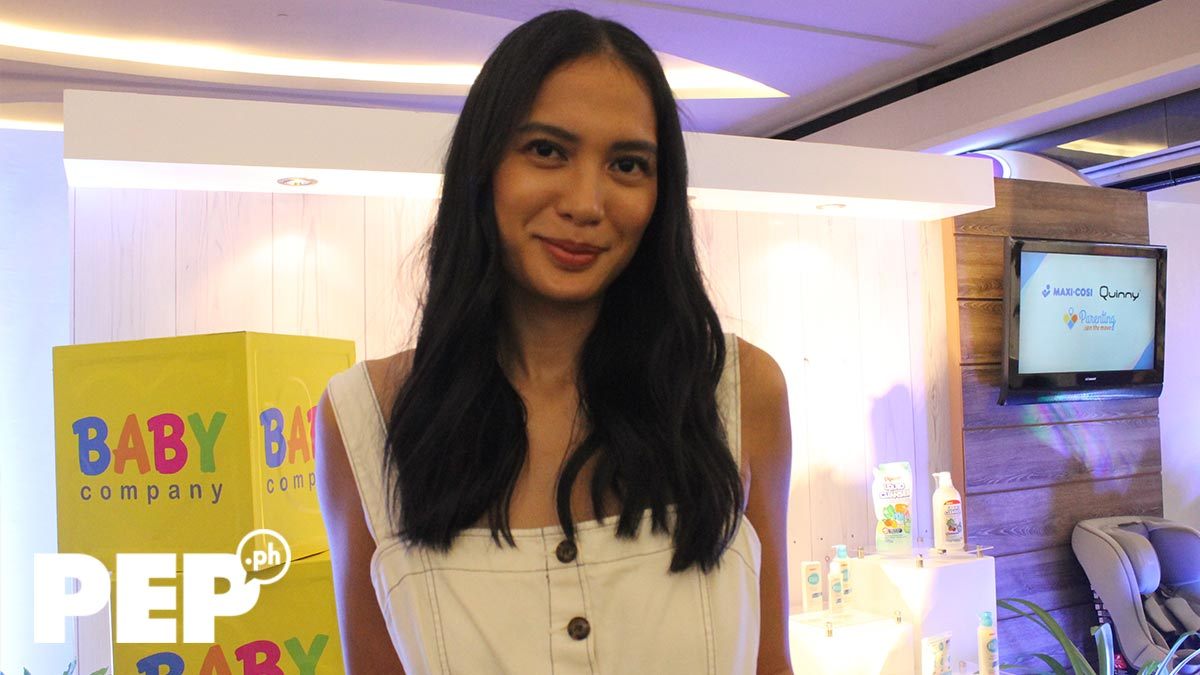 Isabelle Daza son Balthazar learns three languages