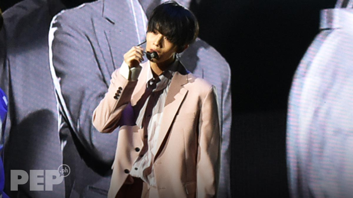Wanna One's Bae JinYoung makes Pinoy fans swoon at Manila fan meet