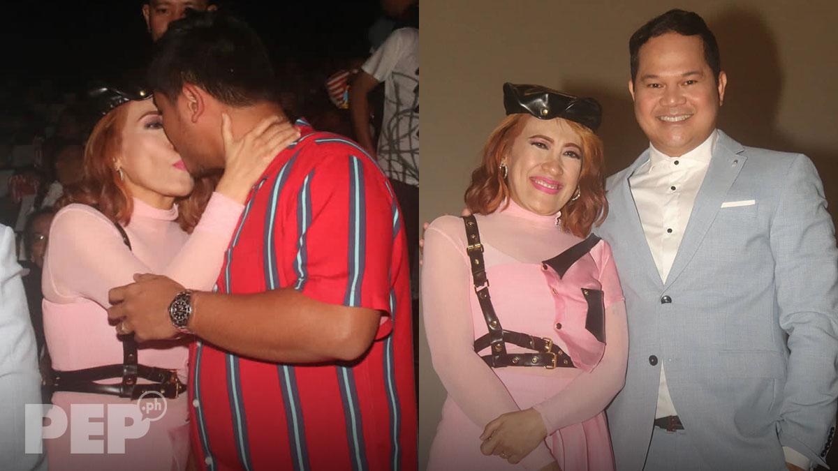 Ai-Ai delas Alas gets kiss from husband Gerald Sibayan at Feelennial premiere night