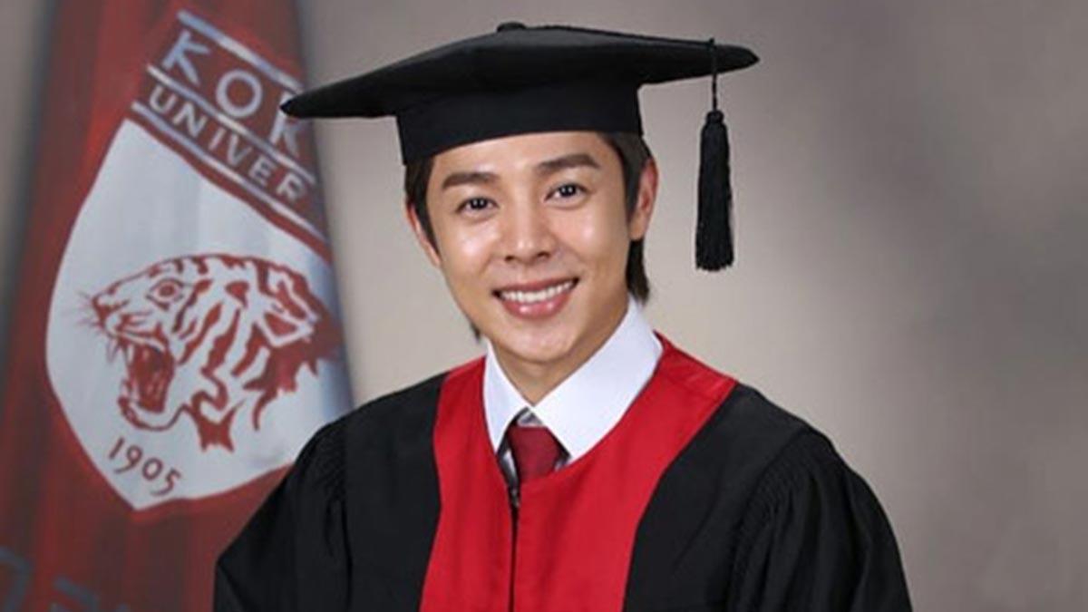 Alexander Lee to graduate from Korea University