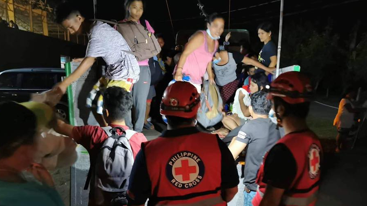 Displaced For Families Help To Taal Send By Evacuees Where