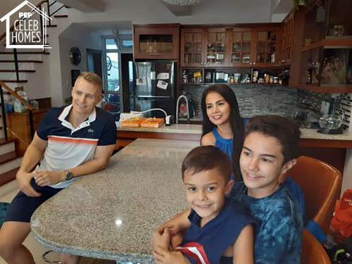 Patricia Javier family