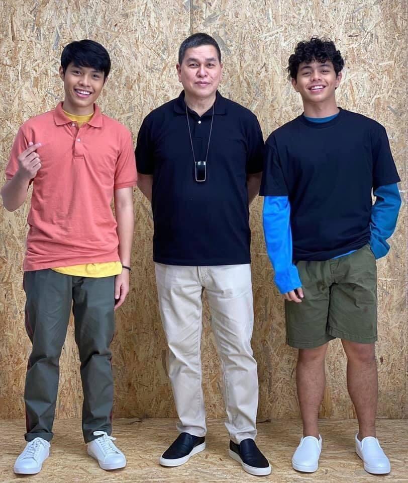 Elijah Canlas and Kokoy de Santos with Bench owner Ben Chan.