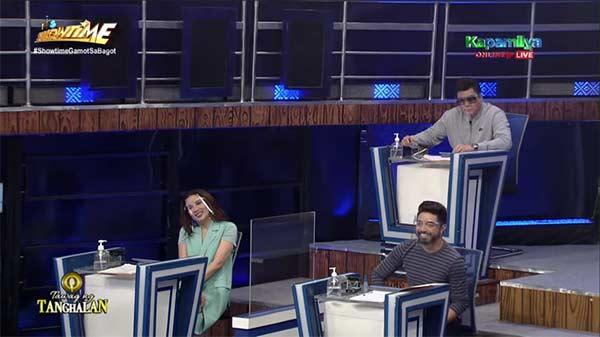 Karylle, Randy Santiago, and Nyoy Volante are the judges of Tawag ng Tanghalan's September 23 episode.
