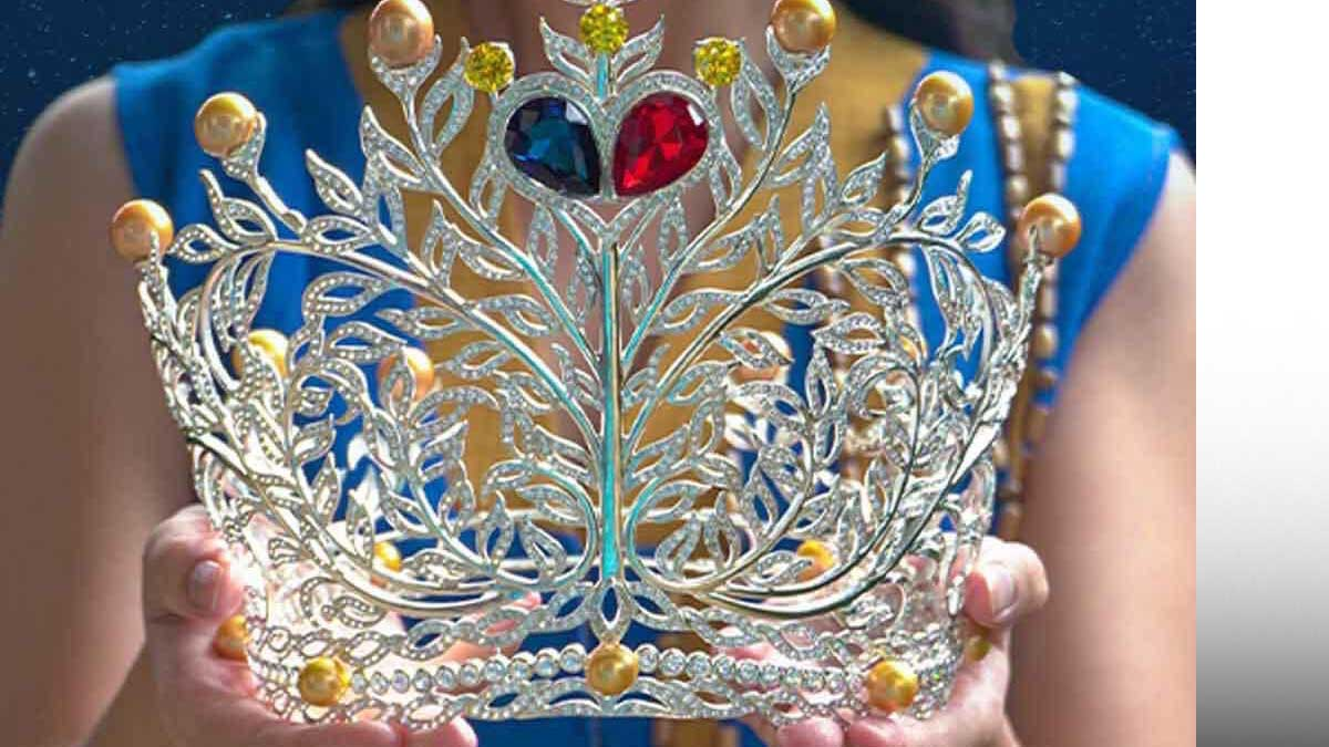 Filipina, the Miss Universe Philippines 2020 crown.