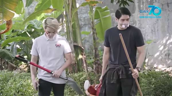 Jake Vargas and Jeric Gonzales in Pepito Manaloto